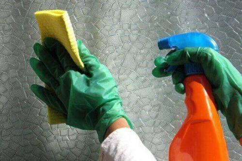 Виниловые обои, как мыть. Очистка флизелиновых изделий