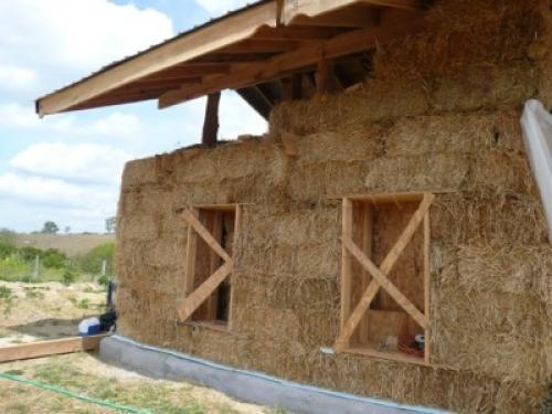 Дом из глины и соломы, как называется. История соломенных домов