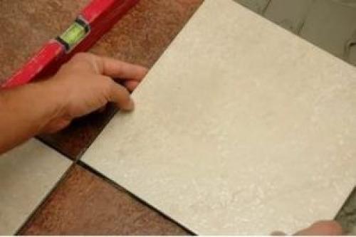 Как положить кафель на стену своими руками. Особенности и разновидности облицовочного материала