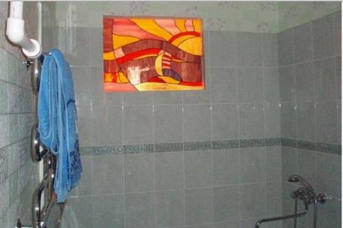 Окно между ванной и кухней заделать. Модернизация окна из кухни в ванную: новая жизнь надоевшего проема
